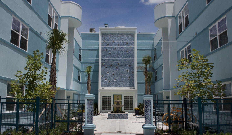 Deco 39 Luxury Apartments